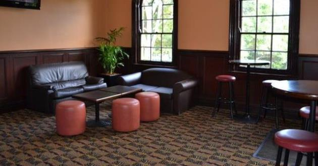 A Cool Laid Back Style in South Lounge
