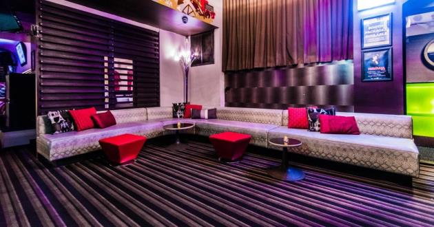 A Cozy and Stylish Entire Venue
