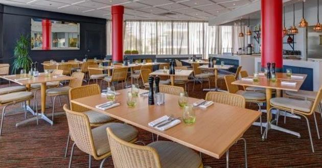 Mundo Bar & Restaurant