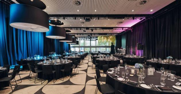 Grand Pillarless Ivy Ballroom