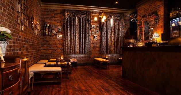 Intimate & Characterful Bar - Cotton Club