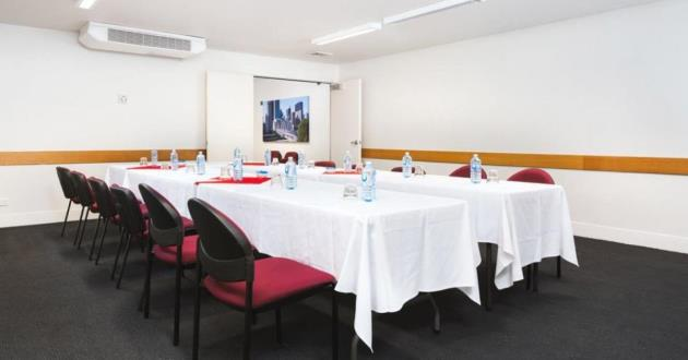 10 Person Boardroom with AV Equipment