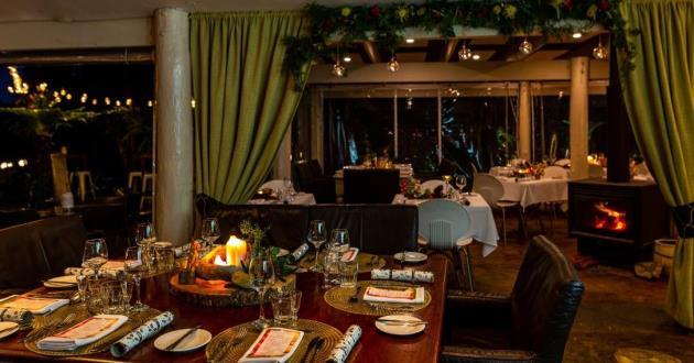 Spacious and Contemporary Hinterland Dining