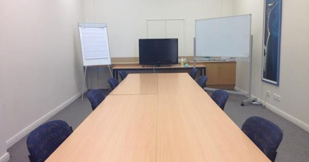 Intimate Boardroom Style - Mirapool Space
