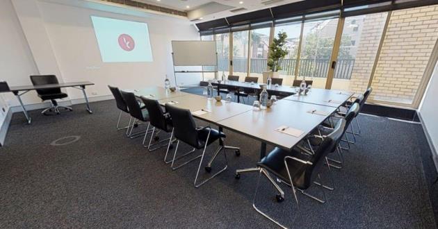 Standard Meeting Room