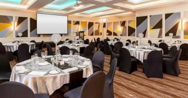 Double Function Room (2 & 3)