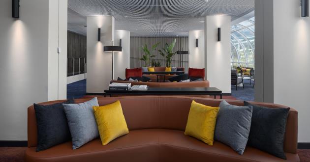 Acacia Lounge