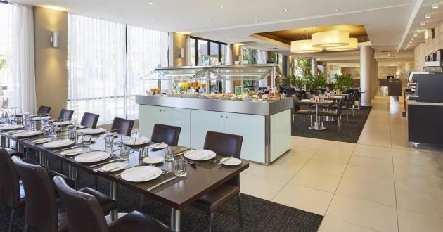 Twenty One Fifty Restaurant