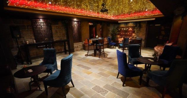 The Cobble Stoned Vault Dining