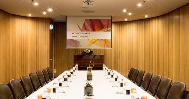 Tuscan Meeting Room