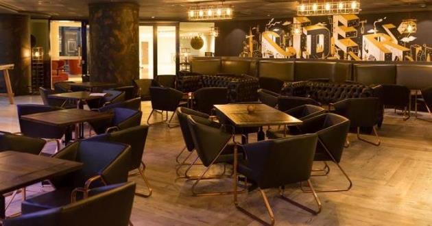 Contemporary Urban Bar - Tables