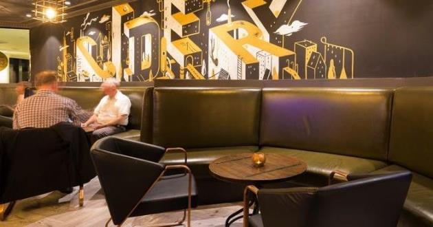 Contemporary Urban Bar - Booth