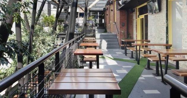 Terrace Bar & Balcony