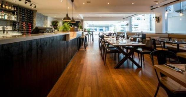 A Vibrant, Warm and Enticing Atmosphere Restaurant